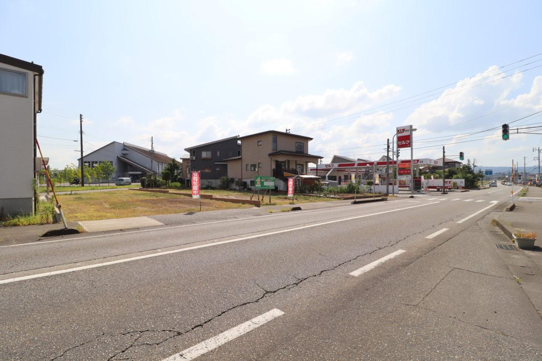 北側前面道路2 令和2年8月撮影