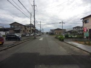R1年10月撮影   前面道路2