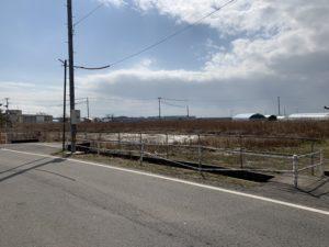 東側道路より 2019年2月撮影