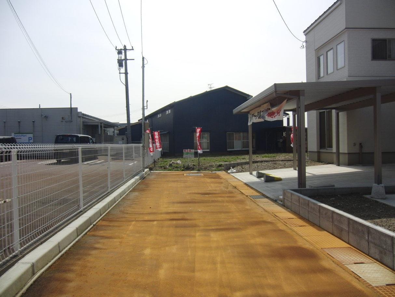 2019年3月撮影   前面道路