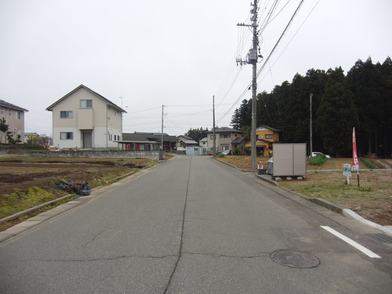 2019年4月撮影   前面道路