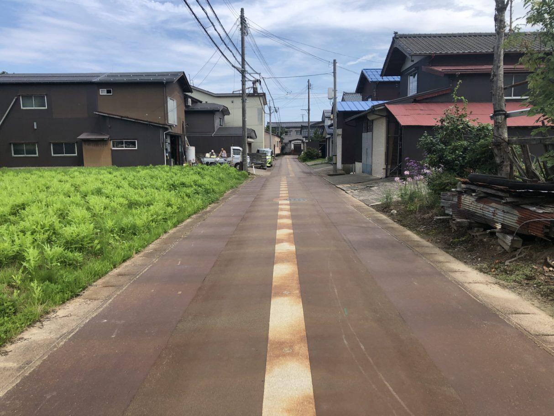 2019年7月撮影   前面道路