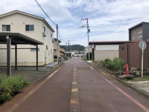 2019年8月撮影   前面道路