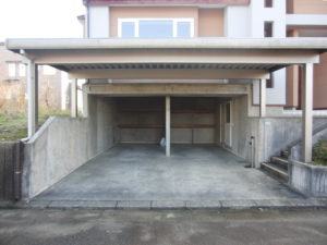 屋根付駐車場