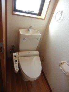 トイレ(ウォシュレット付き)