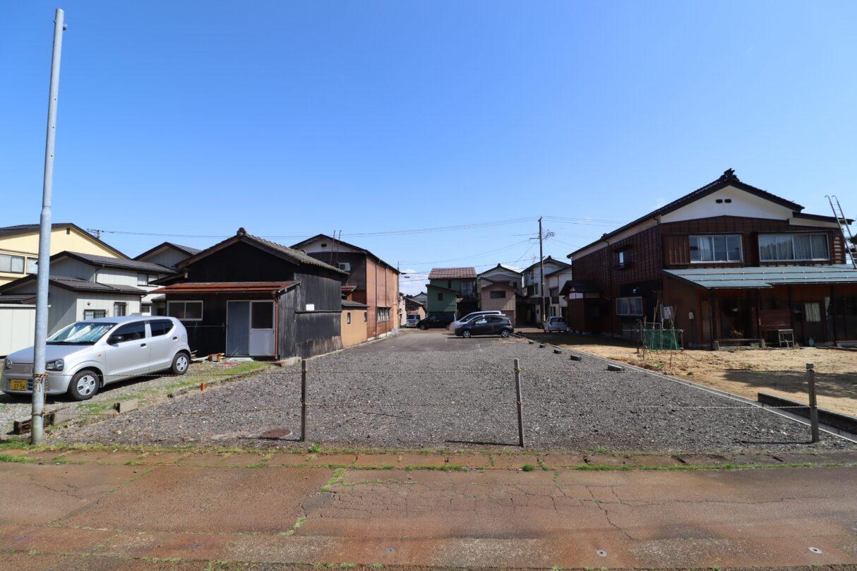 敷地(北西側道路より撮影)