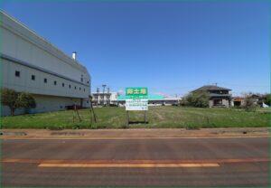 敷地(南側道路より撮影)