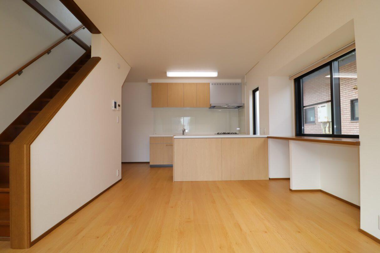 キッチン(食洗器、吊戸棚、対面収納付き)新品