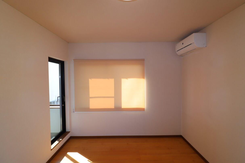 2階洋室ロールスクリーンカーテン 新品